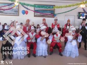 В городе Балыкчы прошел праздничный концерт «Кумтор — мечты сбываются», организованный общественным объединением «Поколение NEXT» совместно с мэрией города.